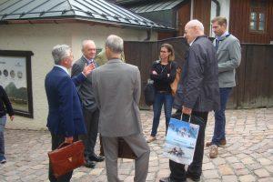 Top-City-Geschäftsführer Mag. Emanuel Präauer hat den Mitgliedern persönlich die Historie der Festung Kufstein erklärt.